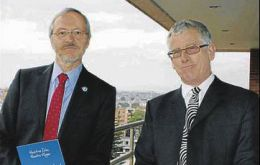 MLA Barry Elsby and Dick Sawle in Bogotá, Colombia (Photo: El Colombiano)