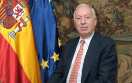 "Garcia-Margallo: ""this is a two way street"", it all depends on the treatment that Gibraltar gives to ""our fishermen""."