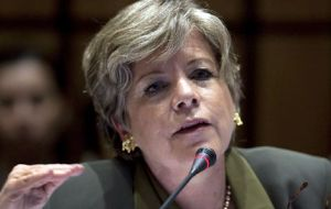 Alicia Bárcena, Executive Secretary of ECLAC: companies exporting one single product for one single market prevail