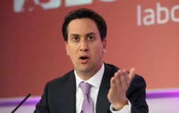 Labour leader Ed Miliband insists UK banks must split commercial from investment banking