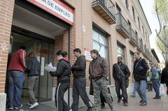 Unemployment at 25% is turning Spanish residents to look for opportunities outside the country