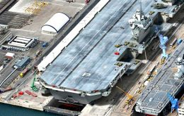 The 65.000 tons HMS Queen Elizabeth is scheduled to be delivered in 2016