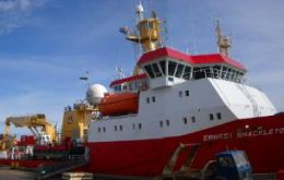 BAS merger plans dropped: one of her vessels docked in the Falklands