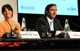 Lorenzino and Marcó del Pont (L) accused the funds and risk rating agencies of the current global crisis.