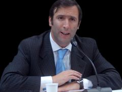 Lorenzino accuses speculators are betting Argentina will default on its obligations