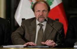 Salomon Lerner is expected to write a report to the leaders of Unasur meeting in Lima at the end of the month