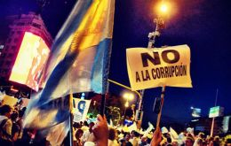 Massive demonstration in Buenos Aires to protest corruption and inflation