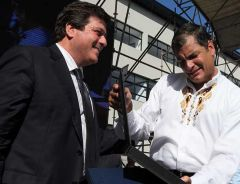 The Ecuadorean president was recognized in Argentina with a journalism award