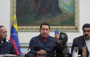 Maduro (R) and Diosdado Cabello (L), prominent figures of the Chavez regime