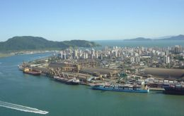 Santos the largest port in Latam, a monument to inefficiency
