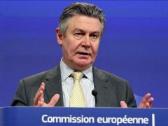 Argentina's protectionist policies 'forced as to file complaints at WTO', argued de Gucht