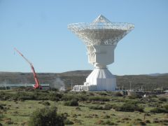 The moving antenna at the Malargue station weighs 600 tons