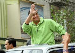Rafael Correa on the campaign trail