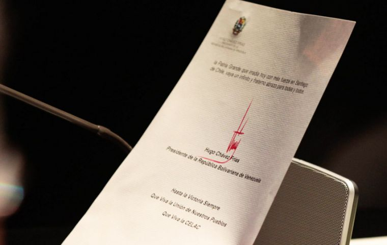 The letter with the presidential seal and Chavez Frias signature