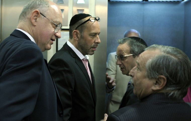 Foreign minister Timerman met with representatives from Jewish organizations in Buenos Aires