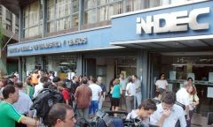 Slums surrounding Buenos Aires and big cities: Indec says people can feed on two dollars per day