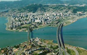 Famous for its beaches and whales sanctuary, peaceful Florianopolis has been exposed to torching on public transport and private cars