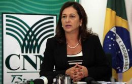 """We reject the individual contracts offered by Monsanto"" said Senator Katia Abreu"