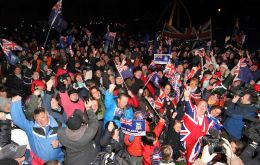 Falkland Islanders celebrate and thank CFK for a wonderful day (Photo: T. Chater)