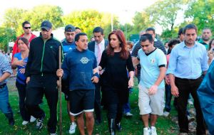 Cristina Fernandez visited the devastated areas and met with neighbours
