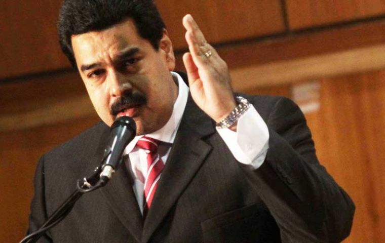 President Maduro bans marches in Caracas and considers legal actions against Capriles