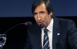Economy minister Lorenzino will explain Argentina's new price index