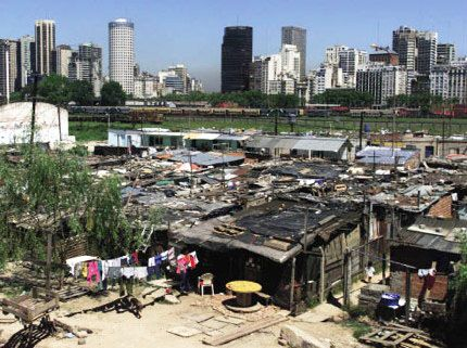 Official poverty in argentina 2 5 million people for Villas en argentina
