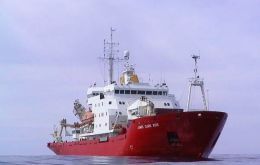 BAS RRS James Clark Ross (JCR) last Tuesday boarded and checked the 'Eduardo Holmberg' according to CCAMLR rules