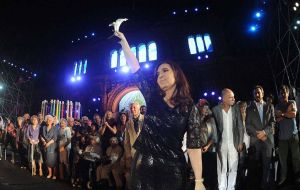Cristina Fernandez will be the only speaker, trying to recover public opinion support