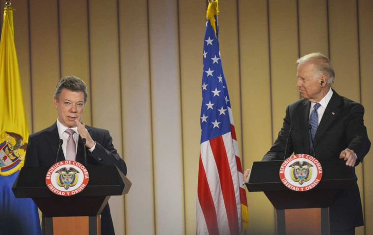 Colombian president Santos and the US Vice-president at the press conference