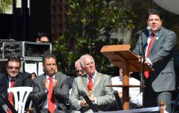 Chief Minister Fabian Picardo addresses the crowd (gibnews.net)