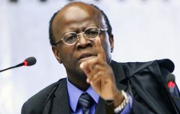 "Justice Joaquim Barbosa, ""not one of us knows who the (non-elected) surrogates for Rio's Senators are"""