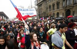 In Santiago marches were mostly peaceful expect for a few incidents by violent radical groups