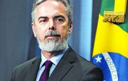 "Foreign minister Patriota the target of an ""unprecedented defeat of Brazilian diplomacy"""