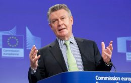 "EU Trade Commissioner De Gucht, ""a new chapter in relations with Central America and the Andean region"""