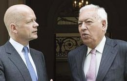 The two foreign secretaries talked following instructions from Cameron and Rajoy