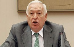 Garcia Margallo expects to reach a 'political consensus' on Gibraltar with all political parties when he addresses congress on 3 September