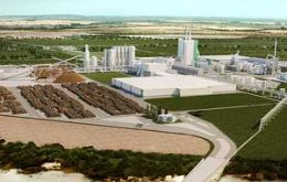 The Montes del Plata when on full production will have an output of 1.3 million tons of pulp