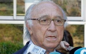 Pescanova chairperson Juan Manuel Urgoiti urged a refinancing debt process with the creditors .