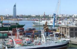 Not so long ago: Falklands flagged vessels docked in Montevideo