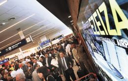 A packed Ezeiza airport: Argentines prefer to spend time overseas