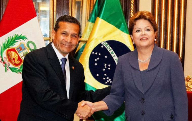 Humala and Rousseff  at Government House in Lima