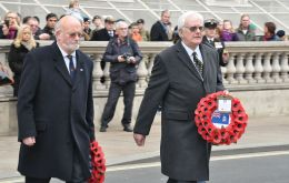 FIA Chairman Alan Huckle, a former governor of the Falklands, and MLA Roger Edwards lay the wreaths for the Association and the Falkland Islands Government