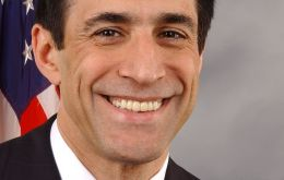 The richest member is Republican congressman Darrell Issa with a net worth of 598 million dollars