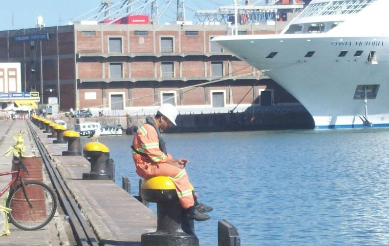 Activity in the port of Montevideo has dropped 40% according to container operators