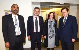 The Argentine delegation with Diego Morejón and other Bureau members. (Pic Telam)