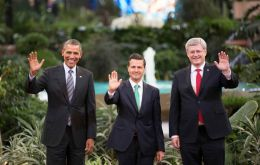 The three leaders pose for the family picture at Toluca