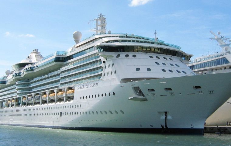 Royal Caribbean rode the waves in the awards for the Large Ship class, with Serenade of the Seas