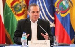 Ecuadorean foreign minister announced that a Unasur delegation will be arriving in Venezuela before the end of March