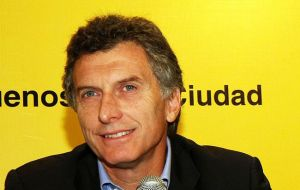 Conservative Macri, left out but who will be needed to ensure victory in October 2015